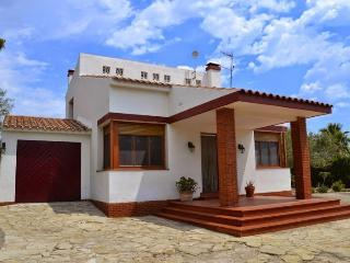 Nice Villa with Internet Access and Television - L'Ampolla vacation rentals