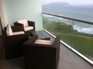 Miraflores Condo, Huge Balcony, Oceanview, All A+ - Peru vacation rentals