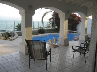 Ocean Front Estate, 5 bed room, pool jacuzzi - Ensenada vacation rentals