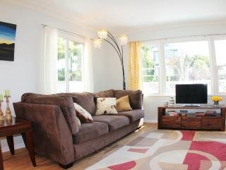 4 min walk to beach - 3br house with porch - Los Angeles vacation rentals