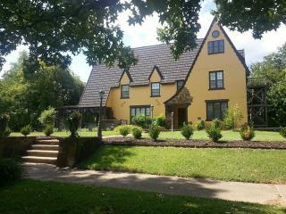 Graham-Carroll House Bed Bed & Breakfast - Muskogee vacation rentals