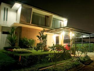 De Rezi Villa Nirwana Syariah - Bandung vacation rentals