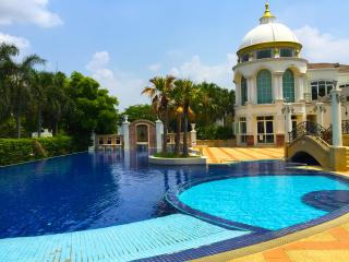 5 Bed Luxury Private Pool Villa in Bangkok - Nonthaburi vacation rentals