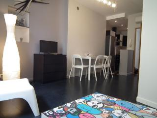 Old Antibes Design 5 mn walk from Beaches - Antibes vacation rentals
