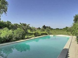 Charming Gite with Internet Access and Television - Valreas vacation rentals