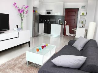 Double room sea view nice balcony - Pattaya vacation rentals