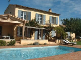 4 bedroom family villa with view of castle - Grimaud vacation rentals
