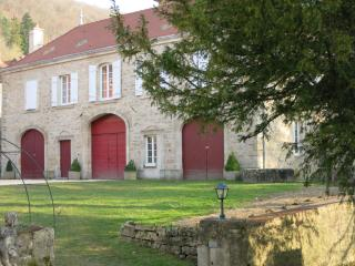 Cozy 3 bedroom Gite in Baulme-la-Roche - Baulme-la-Roche vacation rentals