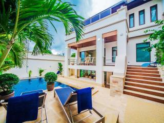 Charlie Pratumnak Pool Villa - Pattaya vacation rentals