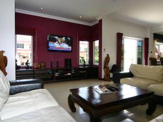 Sukhothai Pool Villa - Pattaya vacation rentals