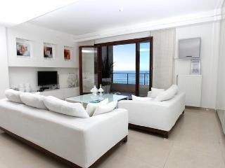 The white suite - Hersonissos vacation rentals