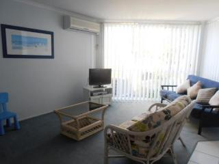 Bright 2 bedroom Vacation Rental in Lakes Entrance - Lakes Entrance vacation rentals