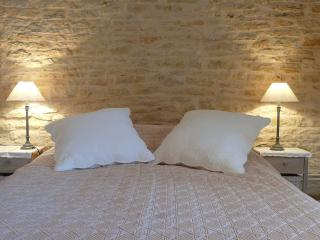2 bedroom Bed and Breakfast with Internet Access in Nuits-Saint-Georges - Nuits-Saint-Georges vacation rentals