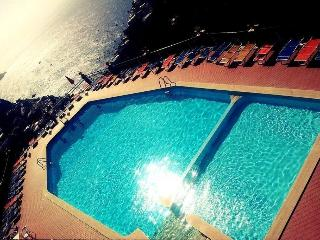 3 bedroom Condo with Internet Access in Montepertuso - Montepertuso vacation rentals