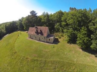 Maison au calme, isolée, jolie vue - Beynac-et-Cazenac vacation rentals
