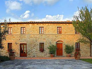 Gorgeous 4 bedroom House in San Giusto with DVD Player - San Giusto vacation rentals