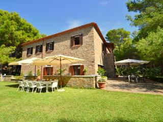 Perfect 7 bedroom Campania House with Waterfront - Campania vacation rentals