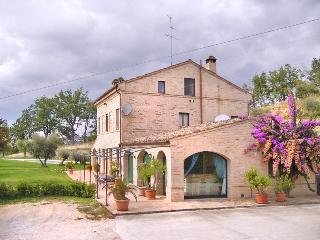 Villa Macerata - Montemaggiore al Metauro vacation rentals