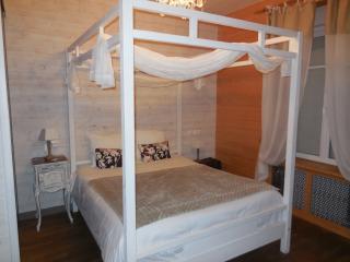 Bright 5 bedroom Bed and Breakfast in Pontorson - Pontorson vacation rentals