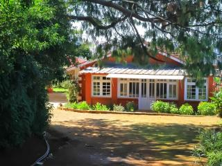 Turrett House - Colonial style family run cottage - Ootacamund vacation rentals