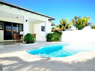 3 bedroom Villa with Internet Access in Palm Beach - Palm Beach vacation rentals