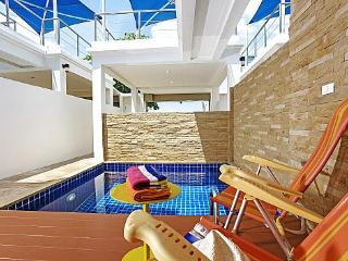 Perfect Villa with A/C and Balcony - Na Chom Thian vacation rentals