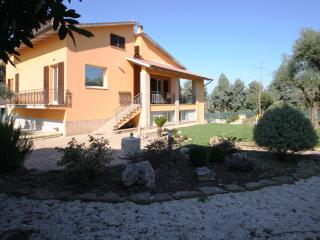 Country House in Marche countryside - Montefano vacation rentals