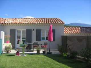 Cottage at the foot of Mont Ventoux - Crillon-le-Brave vacation rentals