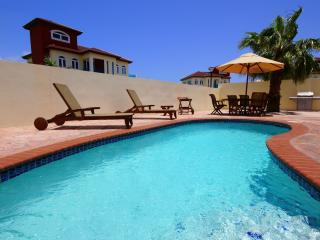 4Bedr. Private Villa and Pool 500 yards Palm Beach - Noord vacation rentals