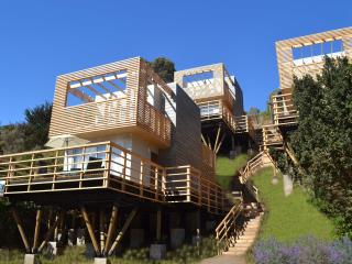 Cozy 2 bedroom Papudo Apartment with Balcony - Papudo vacation rentals