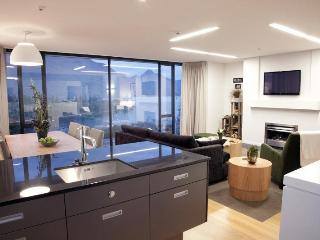 EE Panorama Tce Apartments (2 bedrooms) Unit 6 - Queenstown vacation rentals