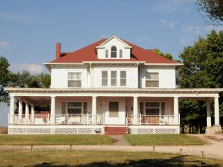 Keene Road Country Estate - Kansas vacation rentals