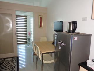 SM LIGHT RESIDENCES 1 BR with BALCONY CONDO UNIT - Mandaluyong vacation rentals