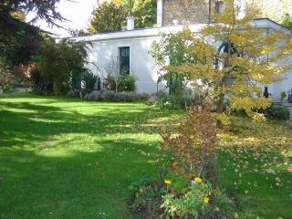 Romantic House with Internet Access and A/C - Le Perreux-sur-Marne vacation rentals