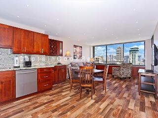 Ocean and Canal Views from this 2/2 condo with AC, parking, washer/dryer! - Honolulu vacation rentals