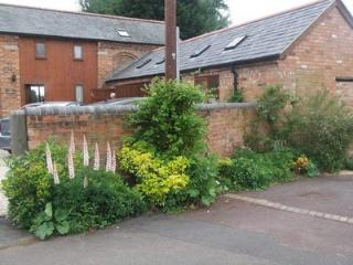 Nice Barn with Internet Access and Garden - Welford on Avon vacation rentals