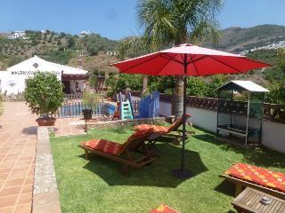 Beautiful 3 bedroom Frigiliana Villa with Internet Access - Frigiliana vacation rentals