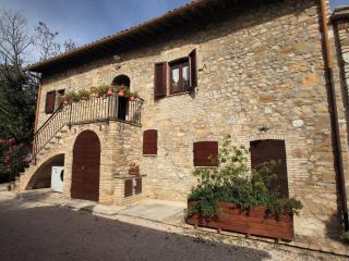 Il Casale di San Fortunato - Spello vacation rentals