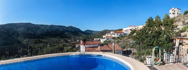 CASA LUISA - Property for 8 people in Pedreguer - Llosa de Camacho vacation rentals