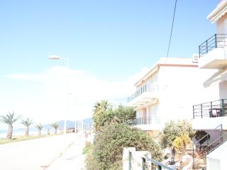 holiday house in front of the sea - Kanelion vacation rentals