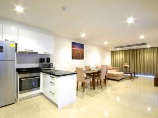 Stunning Luxury 2 Bedroom Condo 200m To The Beach - Pattaya vacation rentals