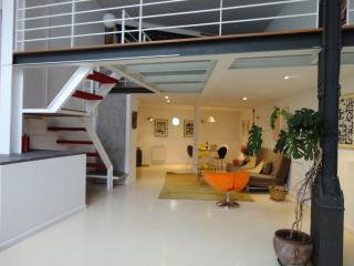 Comfortable 1 bedroom Condo in Madrid with Internet Access - Madrid vacation rentals