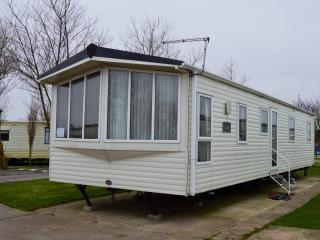 Elan 3 Bed Luxury Caravan SandLeMere Holiday park - Withernsea vacation rentals