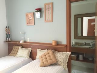 Apartamento alto padrão pé na areia - Guaruja vacation rentals