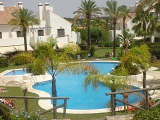 Islantilla Exclusivo Bajo con Jardin - Islantilla vacation rentals