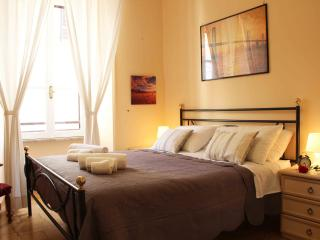 Luxury white house Rome, S. Peter, Vatican Museum, Spanish steps - Rome vacation rentals