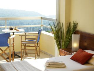 Charming 1 bedroom Monolithos Bed and Breakfast with A/C - Monolithos vacation rentals