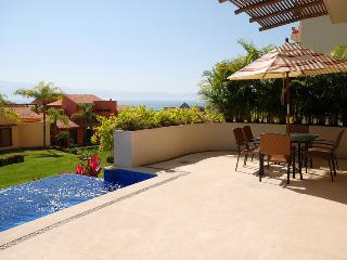 Nice Apartment with Fitness Room and Microwave - La Cruz de Huanacaxtle vacation rentals