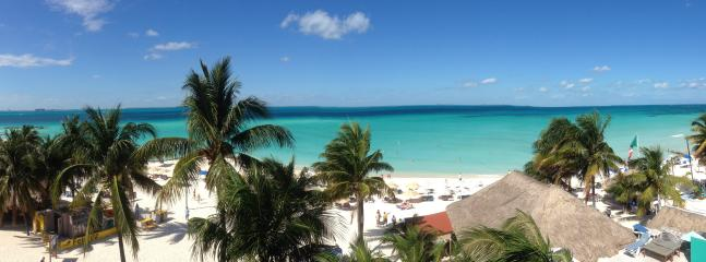 View of the beach and the ocean from my 410 balcony - On the Beach - Ixchel Condo- 4th Floor Ocean Front - Isla Mujeres - rentals