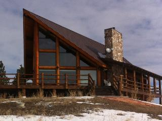Amazing Rustic Chalet Atop the Black Hills of WY - Devils Tower vacation rentals